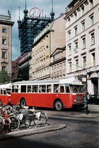 FOTOGRAFI Brunkebergstorg, nordöstra delen. Telefontornet ligger vid Malmskillnadsgatan 30, tornet revs efter brand 1952. 1948-1952 FOTOGRAF: Thomssen, Åke. BILDNUMMER: Stockholms stadsmuseum, Sweden