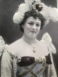 Anna Hoffman Artist, Teaterdirektör och regissör.