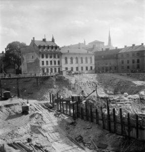 Fredrika Bremers bostad innan rivningen för första Hötorgshuset. Huset är det vänstra på bilden.